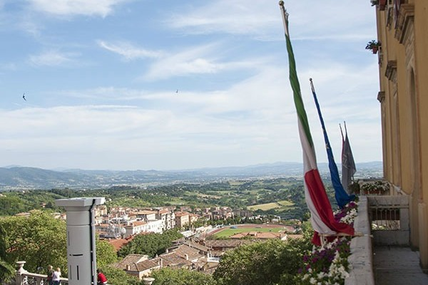 Mr & Mrs Romance - Perugia - view from hotel title