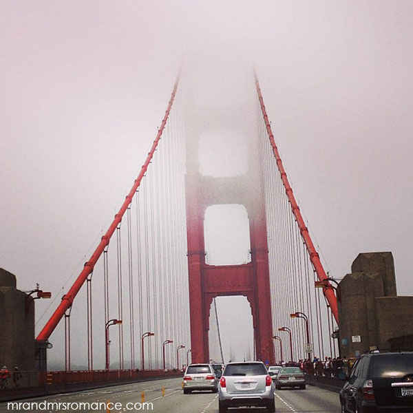 Mr and Mrs Romance - San Francisco golden gate bridge