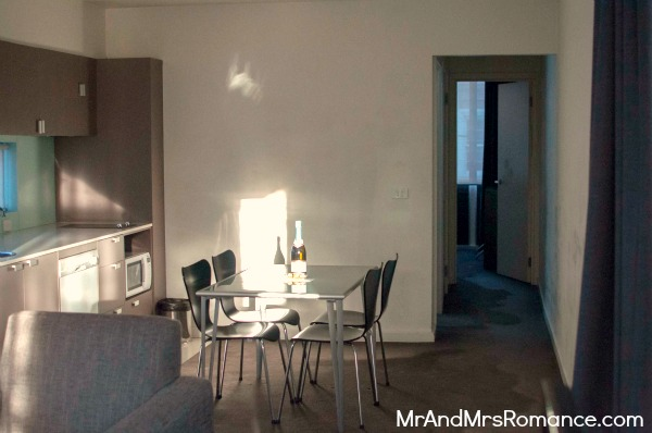 Mr and Mrs Romance - Travel - Cosmopolitan Hotel suite 2