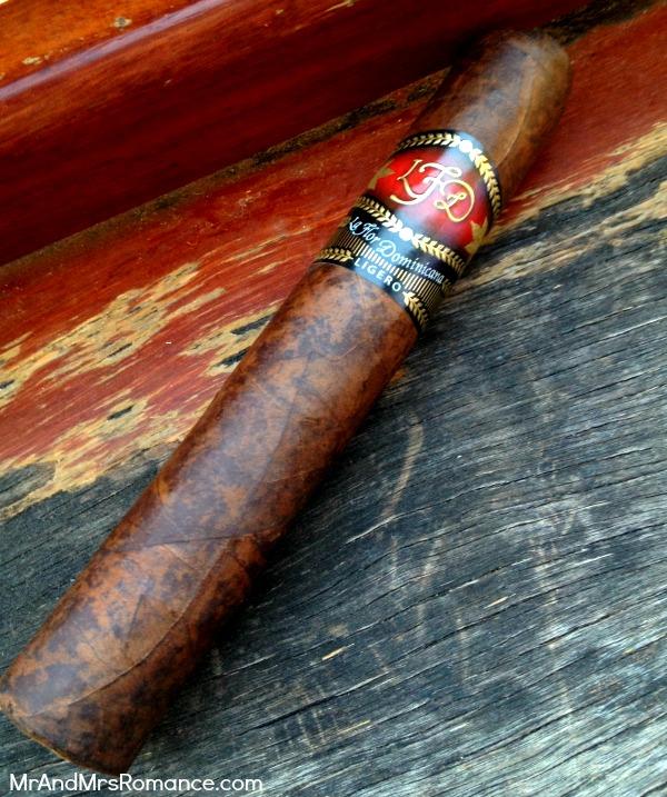 Mr & Mrs Romance - Cigar Review - LFD L500 Cab 1