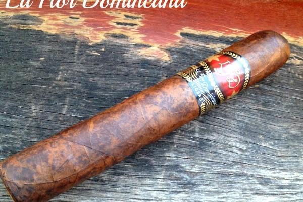 Mr & Mrs Romance - Cigar Review - LFD L500 Cab 2