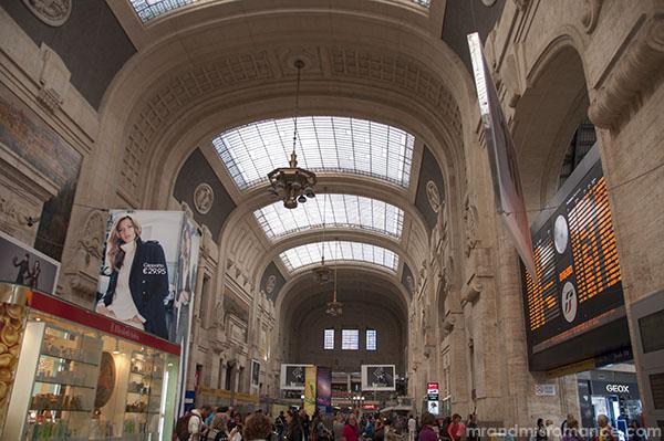 Mr & Mrs Romance - Milano Centrale station