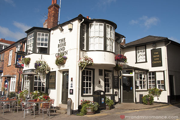 Where to drink - The Rose and Crown Wivenhoe Essex 1