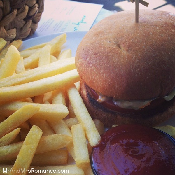 Mr & Mrs Romance - Instagram diary - MM 11 Manly Wine cheeseburger