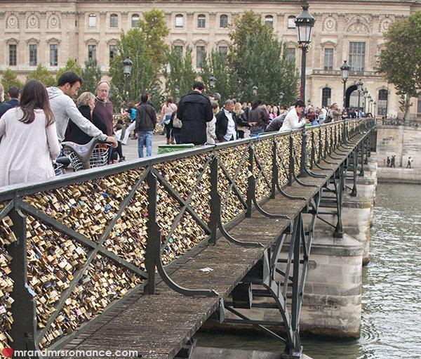 Mr and Mrs Romance - The Pont des Arts Paris