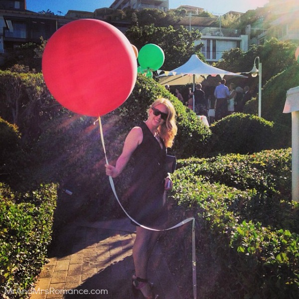 Mr & Mrs Romance - Ista Diary - 19HR4 Mrs R and a balloon