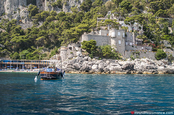 Mr and Mrs Romance - Capri boatrides
