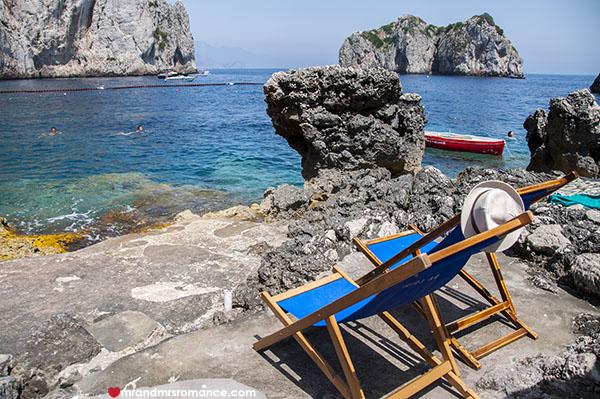 Mr and Mrs Romance - da Luigi beach in Capri