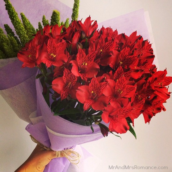 Mr & Mrs Romance - Insta diary - 8aHR1 flowers for the lady!