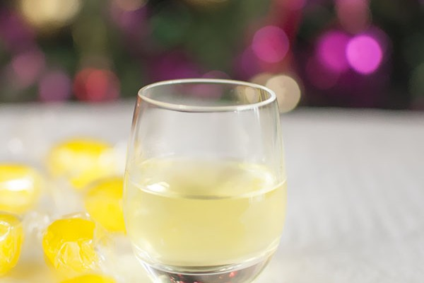 Mr and Mrs Romance - How to make dishwasher vodka