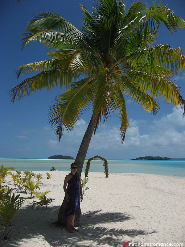Mr and Mrs Romance - Romance in the Cook Islands