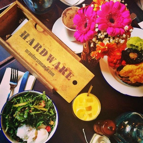 Mr & Mrs Romance - Intsa Diary - 11 lunch at Bondi Hardware