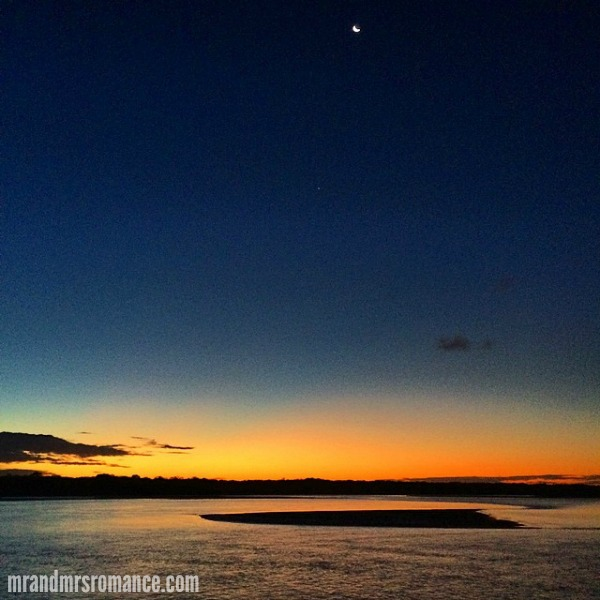 Mr & Mrs Romance - Insta diary - 5 sunset in Noosa