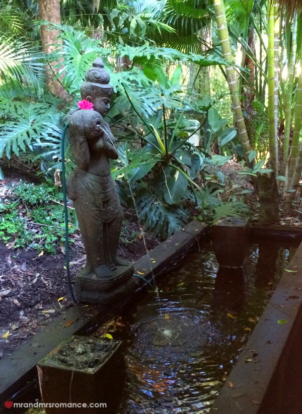 Mr & Mrs Romance - Ikatan - water feature