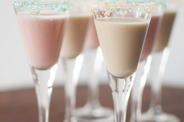 Mr and Mrs Romance - how to make delicious popping candy cocktails