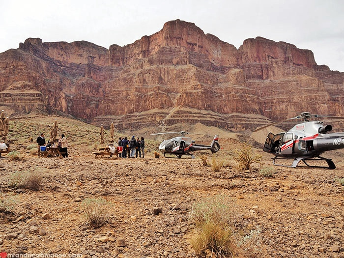 Things To Do In Las Vegas  Helicopterlanding Tour Of The Grand Canyon With