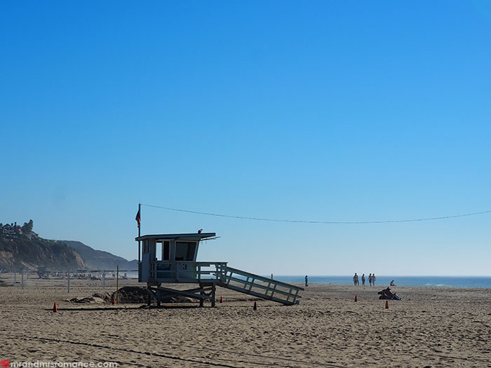 Mr-and-Mrs-Romance-Highway-1-Roadtrip-Malibu-Beach-hut.jpg