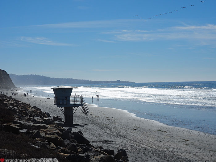 Mr-and-Mrs-Romance-Hiking-in-Torrey-Pines-San-Diego-2-The-Beach.jpg