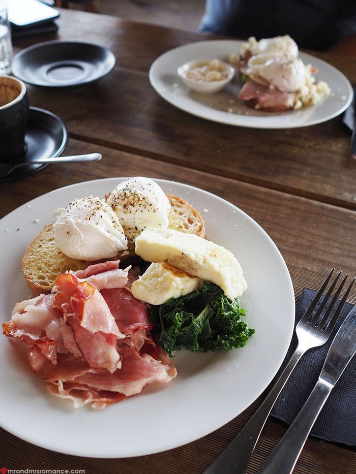Mr & Mrs Romance - 48 hours in Orange -  breakfast