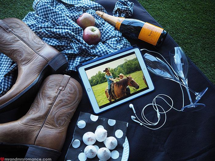 Mr & Mrs Romance - Longest Ride - picnic