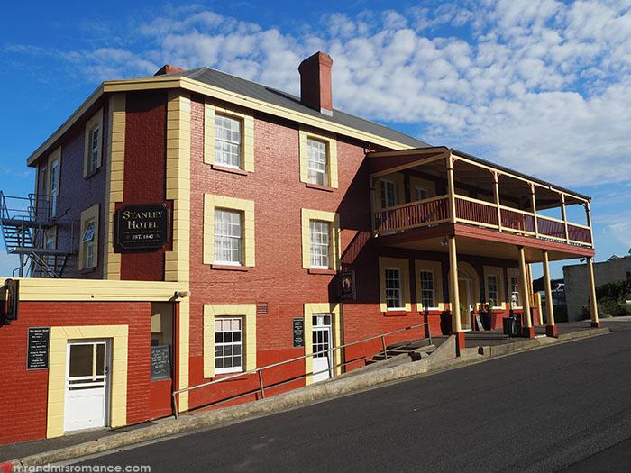 Mr & Mrs Romance - Spirit of Tasmania - Stanley pub