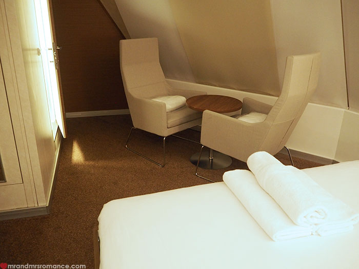 Mr & Mrs Romance - Spirit of Tasmania - Deluxe Cabin armchairs