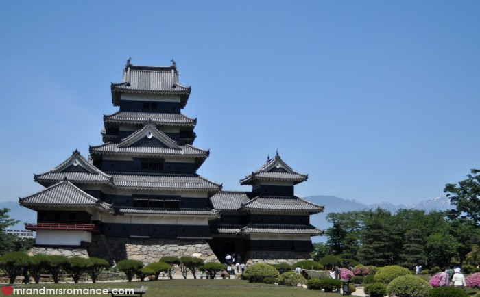Mr & Mrs Romance - Japan escape - 21 Matsumoto Castle wide