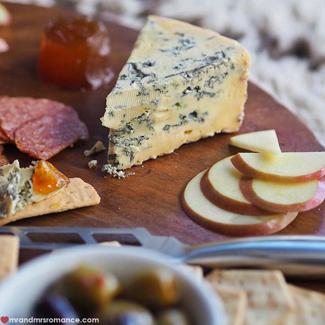Mr & Mrs Romance - Insta Diary - 3 cheese dinner