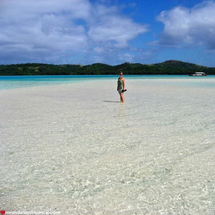 Mr & Mrs Romance - IG Edition - 52 Aitutaki beach