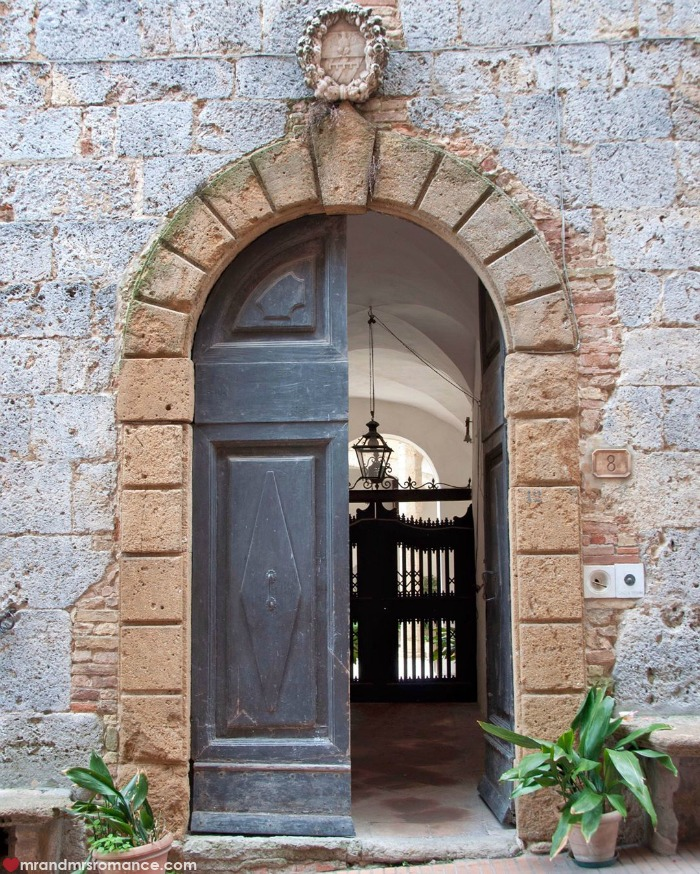 Mr & Mrs Romance - IG Edition - 52 Tuscan doorway