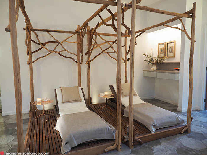 Mr & Mrs Romance - Things to do in Byron Bay - Osprey Spa daybeds