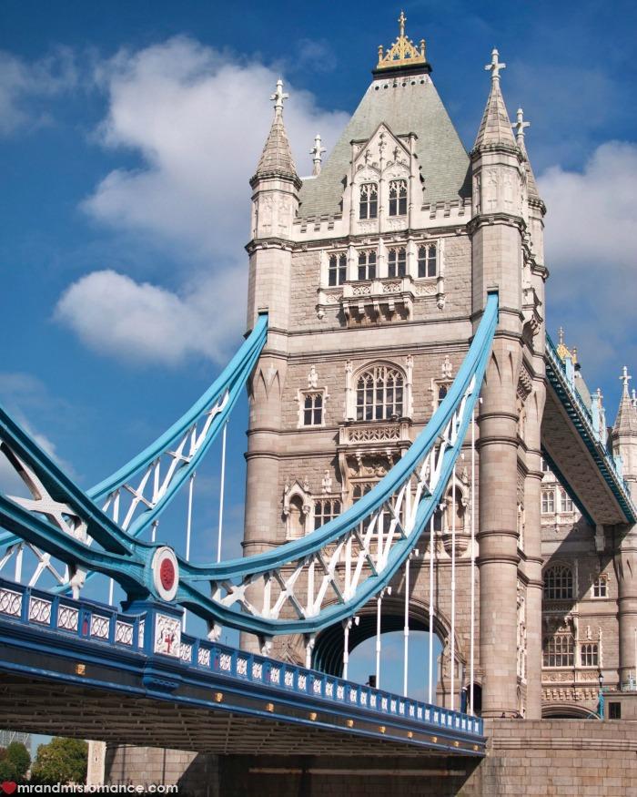 Mr & Mrs Romance - IG Edition - 53 Tower Bridge London