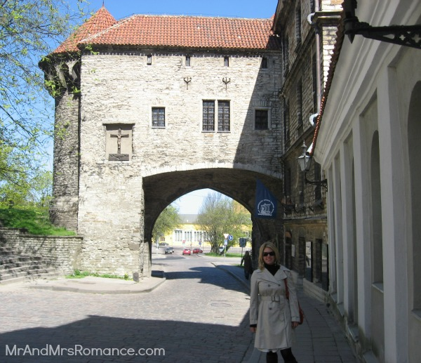 Mr & Mrs Romance - Tallinn Old Town Great Coastal Gate and Fat Margaret Tower