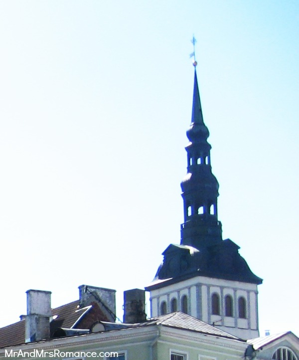 Mr & Mrs Romance - Tallinn Old Town - Niguliste Church