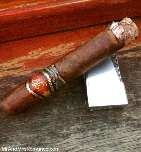 Mr & Mrs Romance - Cigar Review - LFD L500 Cab 3