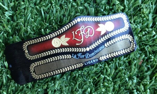 Mr & Mrs Romance - Cigar Review - LFD L500 Cab collar 2