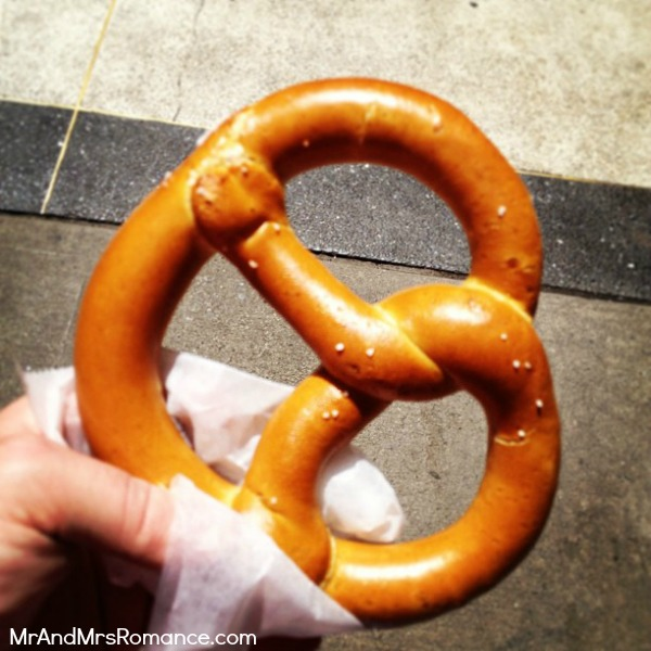 Mr & Mrs Romance - USA - 4 NYC pretzel