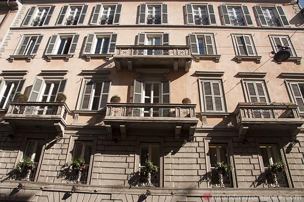 Mr & Mrs Romance in Milan 18