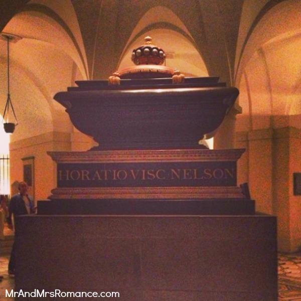 Mr & Mrs Romance - European Romance London - 22 MM16 St Paul's crypt & Lord Nelson's tomb
