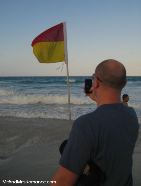 Mr & Mrs Romance - Gold Coast - me snapping a flag