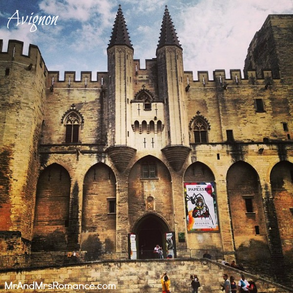Mr & Mrs Romance - Instagram diary S France - 015 MM 10 Avignon castle