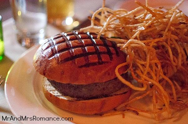 Mr & Mrs Romance - USA '13 NYC - 4 Spotted Pig Burger