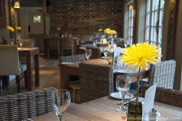 Mr and Mrs Romance - Dining at The Gate in Chorleywood