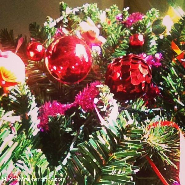 Mr & Mrs Romance - Insta Diary - 2 MM2 Christmas tree
