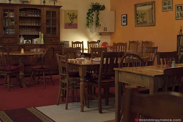 Mr and Mrs Romance - Fiorini's Restaurant - 2a inside is very homely