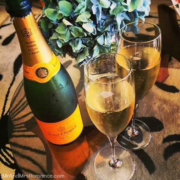 Mr & Mrs Romance - Insta Diary - 10 Champagne anniversary