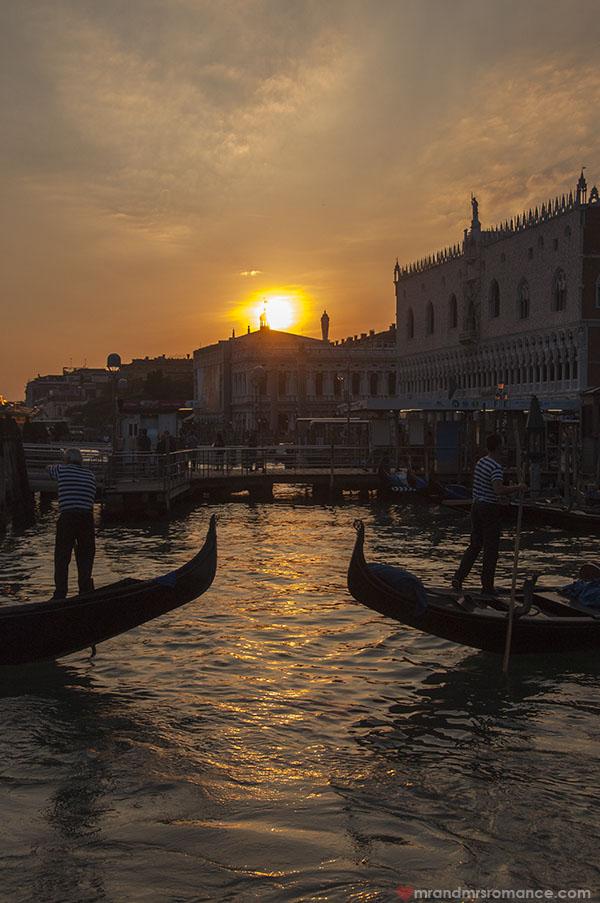 Postcard perfect Venice Italy - Mr and Mrs Romance