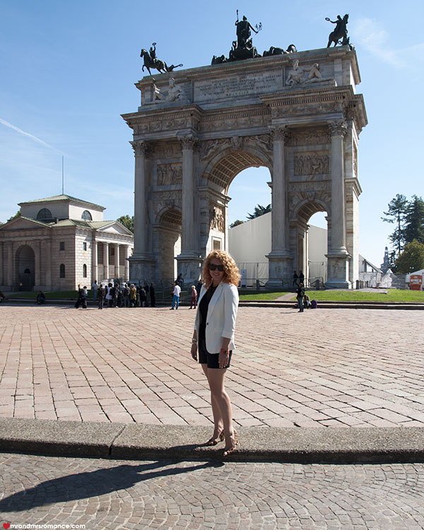 Mr and Mrs Romance - Best things to do in Milan Italy - Sforsa arch