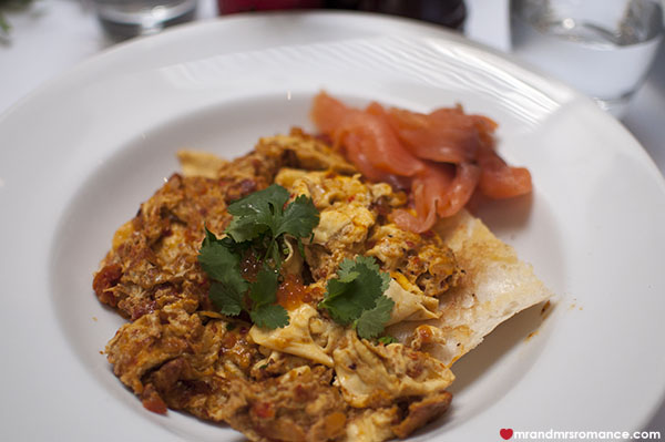 Mr and Mrs Romance - Kazbah Balmain - shakshuka scrambled eggs