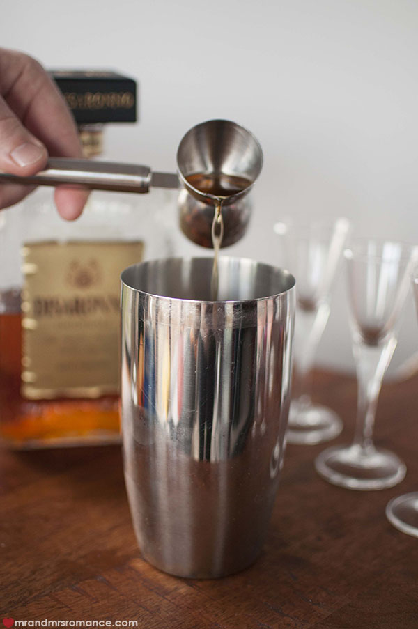 Mr and Mrs Romance - how to make a chocolate popping candy cocktail